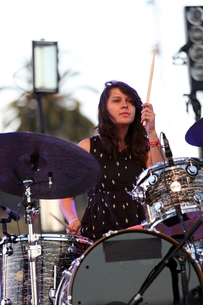 Drummerszone artists - Stella Mozgawa  Drummerszone ar...