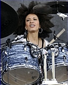 Cindy Blackman engaged with Carlos Santana: drummer gets proposed on stage