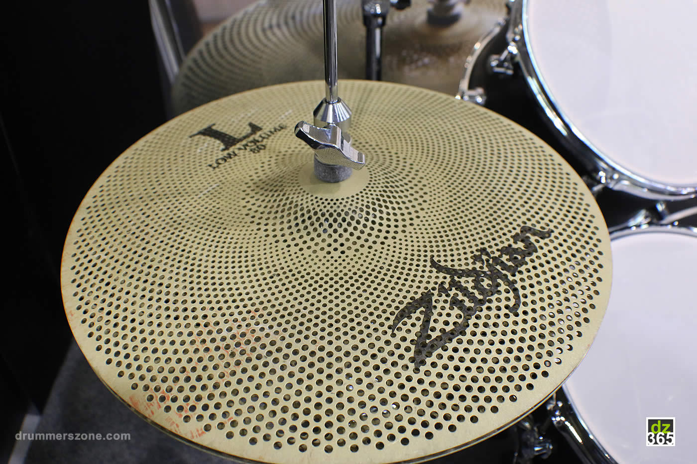 drummerszone news video demos of the new zildjian cymbals for 2017. Black Bedroom Furniture Sets. Home Design Ideas
