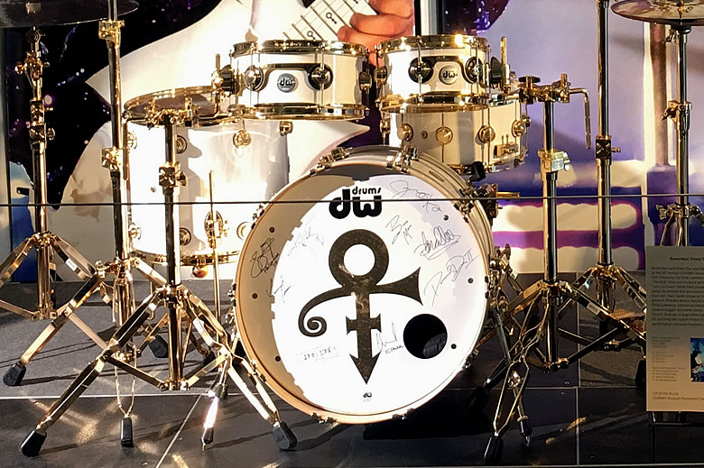 Win a 5-Piece DW Design Series signed by Bruno Mars & Band