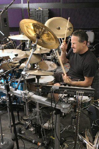 Drummerszone news - Mark Zonder interview downloadable