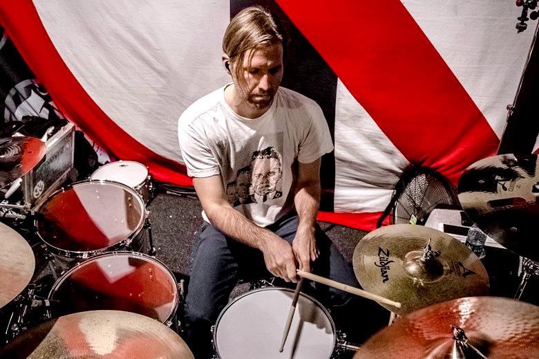 drummerszone news brooks wackerman new drummer avenged sevenfold. Black Bedroom Furniture Sets. Home Design Ideas