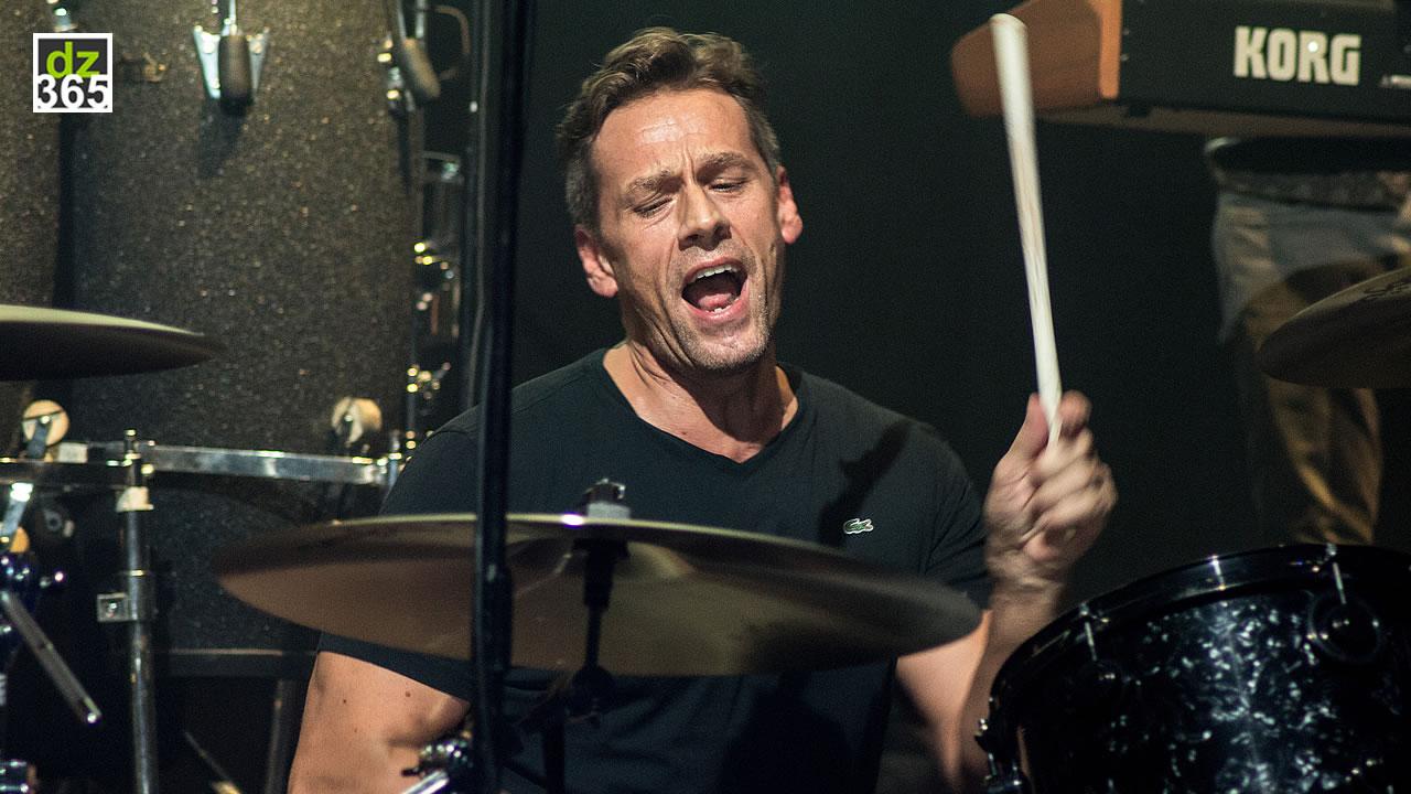 Thomas Lang playing Jonny Lang at Remo Drummer Night 2017