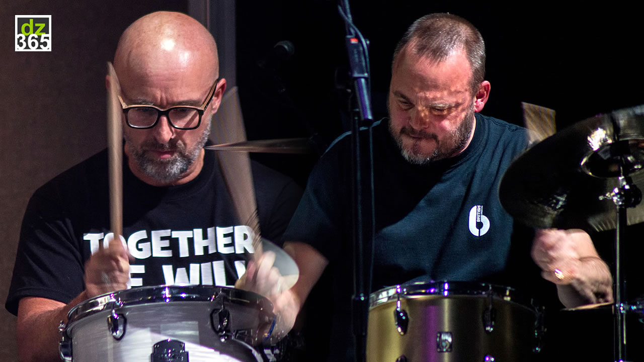 Mike Dolbear and Al Murray play Cozy Powell - Remo Drummer Night 2017
