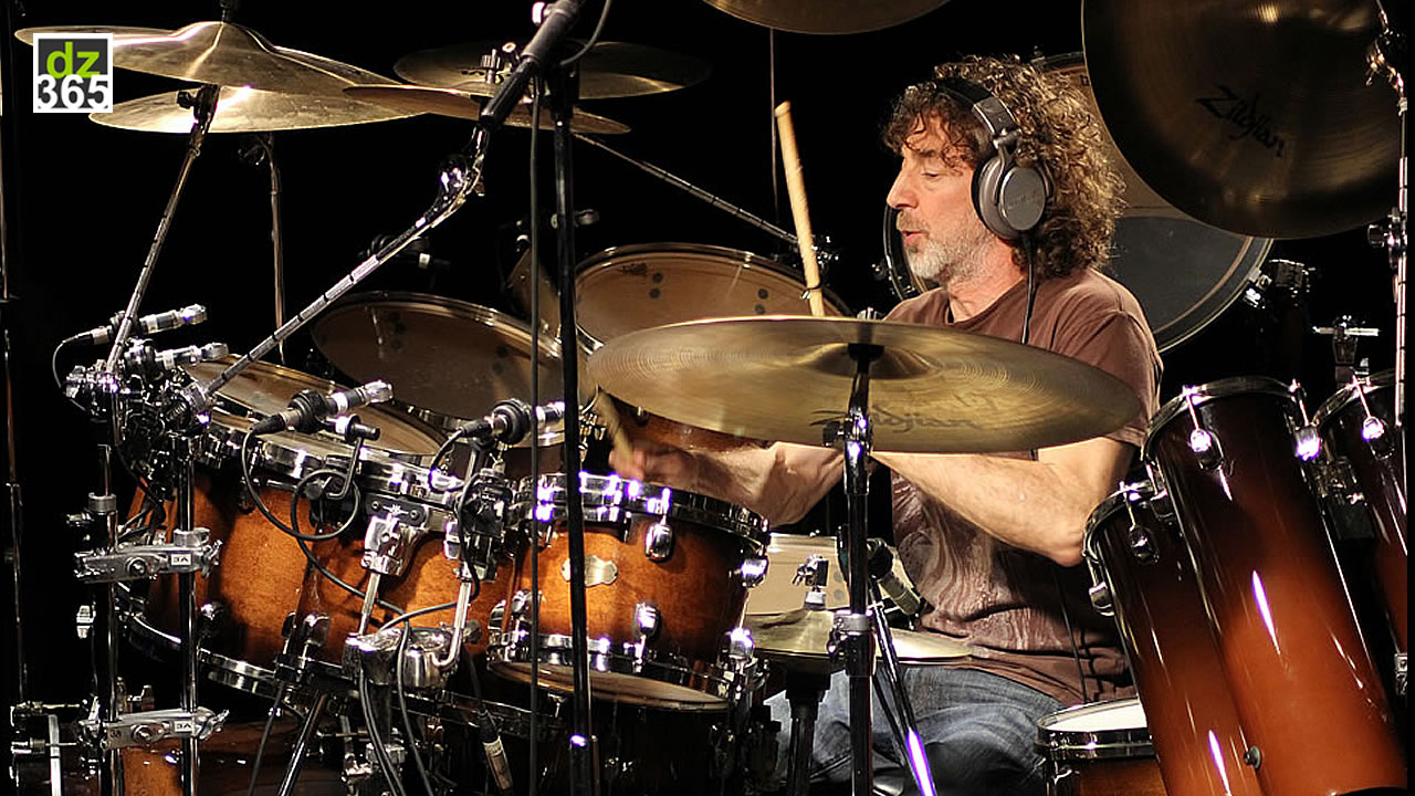 The Simon Phillips Warm-up Drum Exercises - Part I - Lift your basic rudiments to higher levels