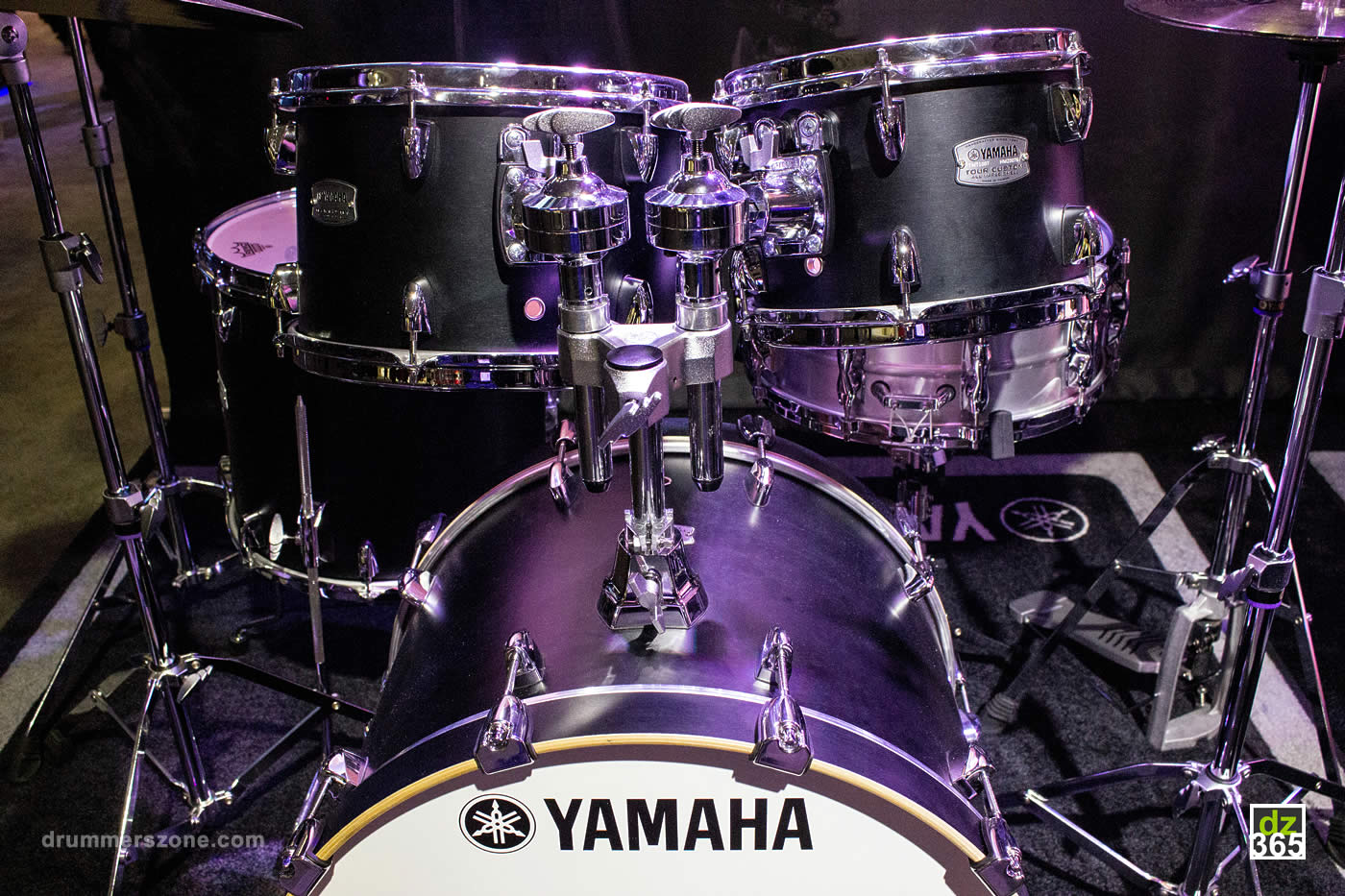 drummerszone news yamaha tour custom maple video tour. Black Bedroom Furniture Sets. Home Design Ideas